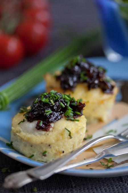 Bocaditos de patata con mermalada de cebolla