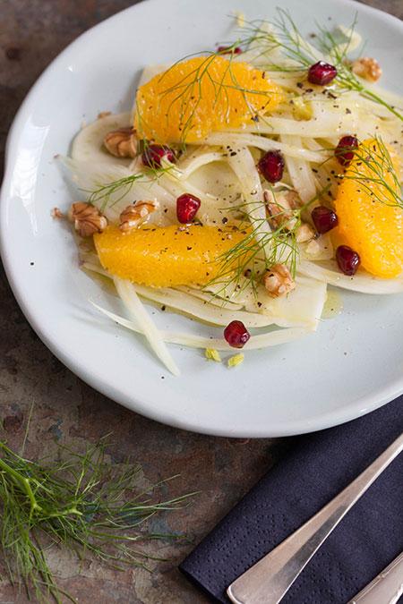 Ensalada de hinojo con nueces y naranja