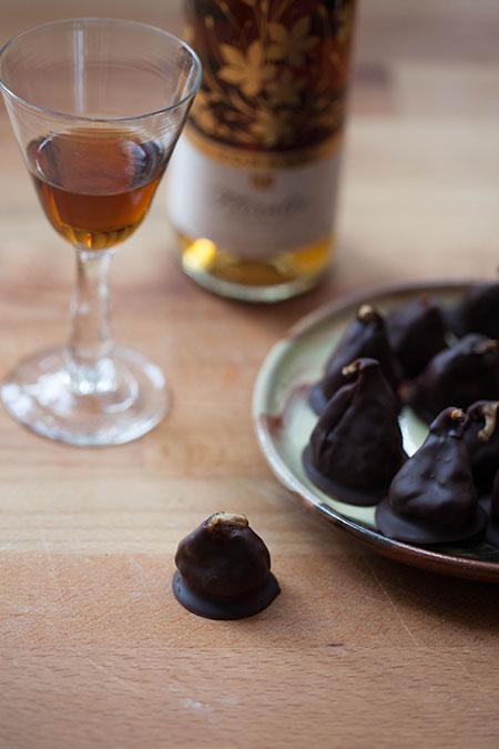 higos en chocolate y moscatel