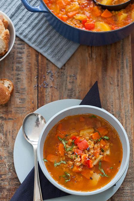 Foodblogswap April 2014 linzensoep met groenten (sopa de lentejas con verduras)