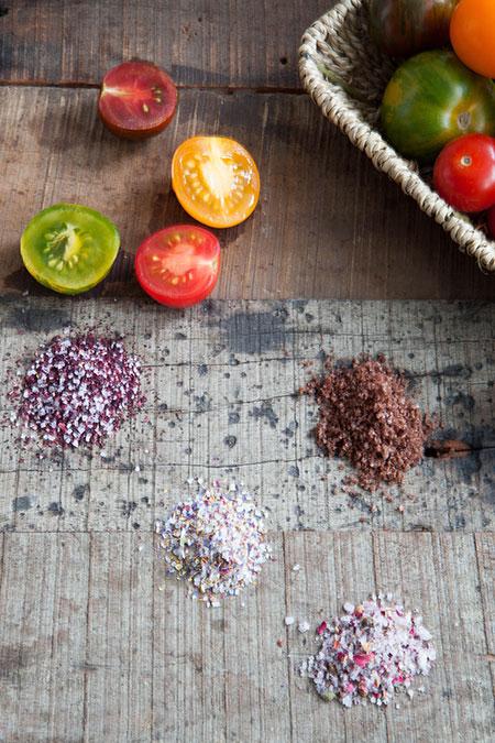 Caviar de tomates de color con sales especiales (tomaten kaviaar met speciale zouten)