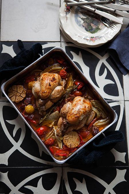 Pollo al horno con verduras y chorizo (kip uit de oven met groenten en chorizo)