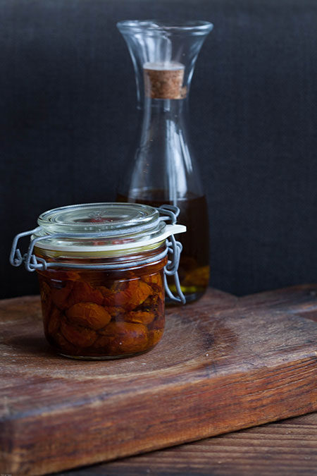Tomatitos al horno en conserva (geroosterde tomaatjes op olie)