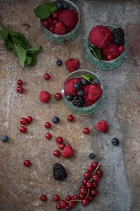 helado-deSorbete de frutos rojos al vino tinto (sorbet van rode vruchten en rode wijn)