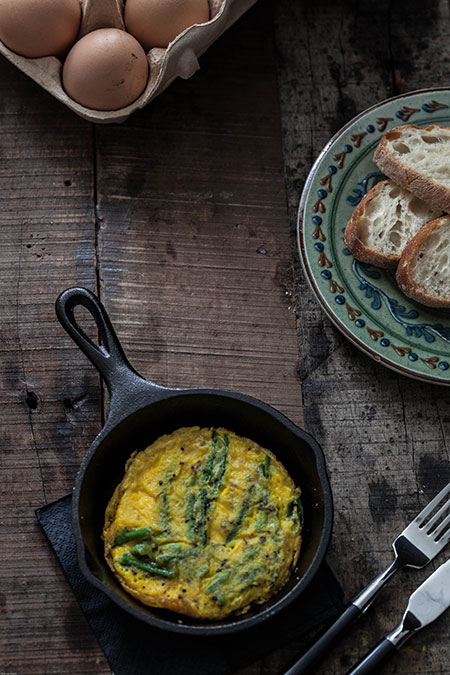 Tortilla de esparagos silvestres (tortilla met wilde asperges)