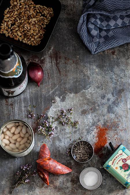 Pollo al horno con chorizo y alubias (kip met chorizo en bonen uit de oven)