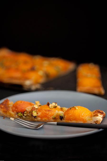 Tarta de albaricoces, tomillo y pistachos (taart van abrikozen, tijm en pistache)