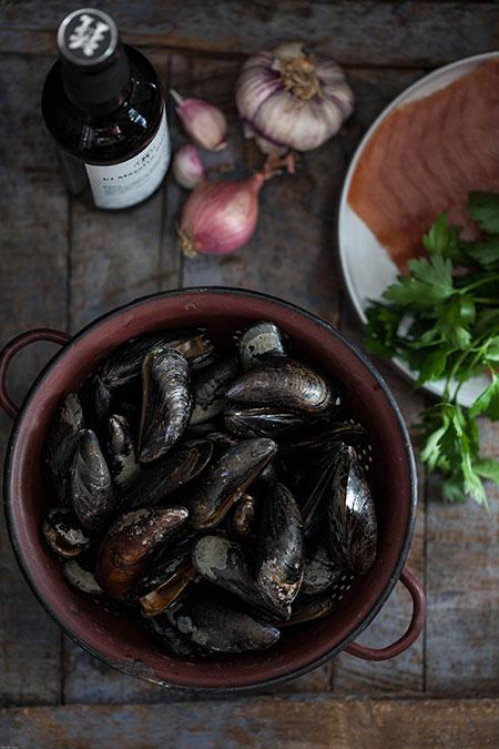 Mejillones con jamón Serrano y Jerez (mosselen met Seranno ham en sherry)