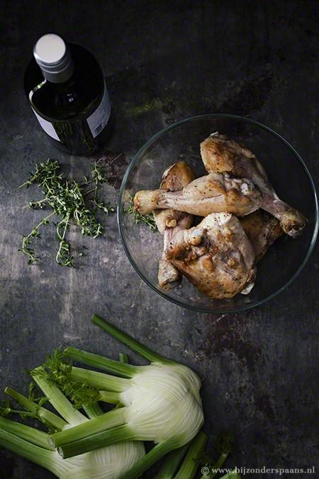 Gesmoorde kip met venkel en tijm