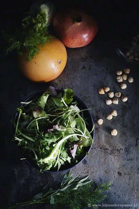 Salade met grapefruit, venkel, granaatappel en hazelnoten