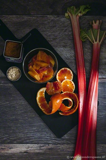 Rabarber en sinaasappelcrumble