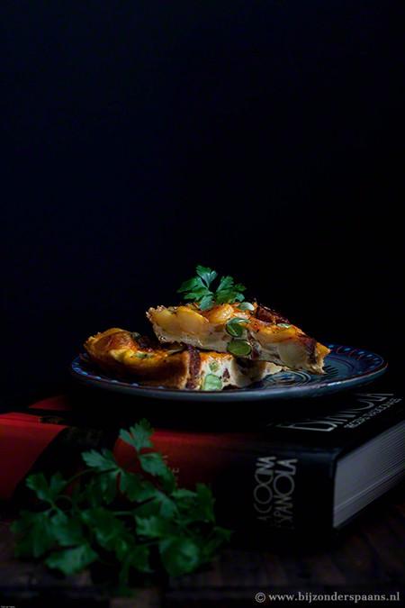 Tortilla met chorizo en tuinbonen