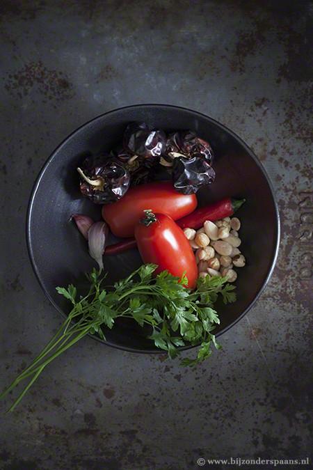 Romesco saus met jonge prei (