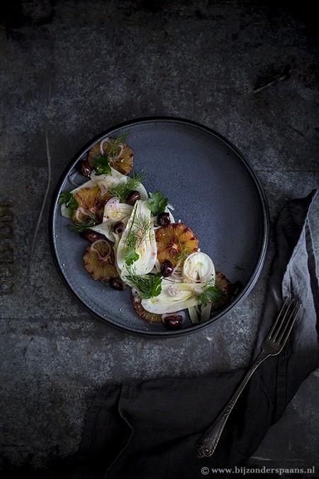 Venkelsalade met sinaasappel en olijven