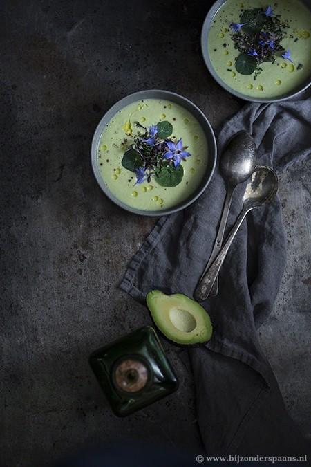 Salmorejo van avocado