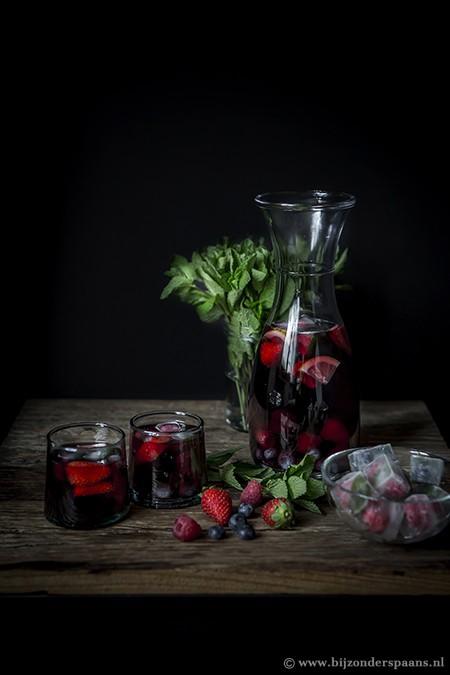 Sangria met rood fruit
