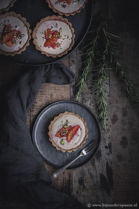 Taartjes met bloedsinaasappel en rozemarijn