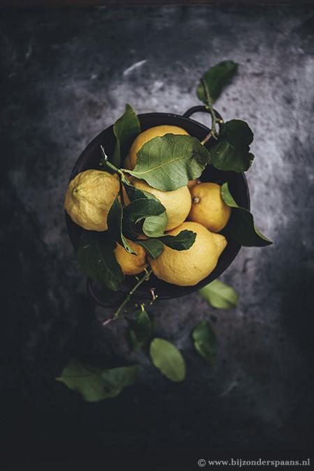 Salade met ingemaakte citroenschillen